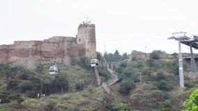 Kabelbaan in Tbilisi, Georgië stock videobeelden
