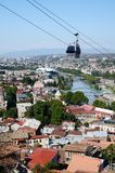 Kabelbahn in altem Tiflis, Ansicht von Narikala-Festung, Georgia Lizenzfreie Stockfotografie