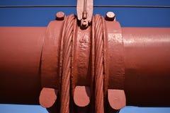 Kabelbanden en verticale die opschortingskabels worden gebruikt om belangrijkste kabel op Golden gate bridge te handhaven, 1 Stock Foto