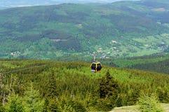 Kabelbil över en dal Fotografering för Bildbyråer