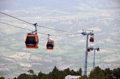 Kabelbil till den Bagbasi platån från Denizli stadscente Royaltyfri Bild