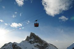 Kabelbil till Lagazuoien, Dolomites, Veneto, Italien Royaltyfri Foto