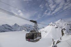 Kabelbil till Schilthornen (Schweiz) Royaltyfria Foton