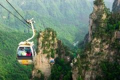 Kabelbilar i Zhangjiajie, Kina Arkivbild