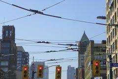 Kabelbilen fodrar i i stadens centrum Toronto royaltyfria foton