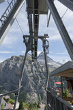 Kabelbilen till Gimmelwald i MÃ-¼ rren, Schweiz Royaltyfria Bilder