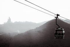 Kabelbilen till Ngong knackar i Hong Kong på den Lantau ön royaltyfria foton