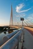 Kabelbrücke über der Save bei Sonnenuntergang in Belgrad Stockfoto