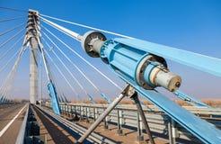 Kabelbrug over de Samara-rivier in Kirovsky-district Royalty-vrije Stock Fotografie