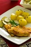 Kabeljauwvisfilet met aardappels Royalty-vrije Stock Fotografie