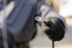 Kabelkerel die optische kabel houden Royalty-vrije Stock Foto's