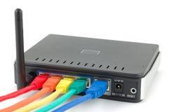 Kabels aangesloten router Royalty-vrije Stock Fotografie