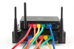 Kabels aangesloten routers Stock Foto