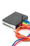 Kabels en draadloze router Royalty-vrije Stock Foto's