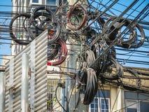 Kabels en draden op de straat van Bangkok royalty-vrije stock foto's