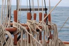 Kabels op een varende boot Royalty-vrije Stock Foto