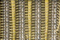 Kabels van elektrische bedradingsachtergrond Stock Foto
