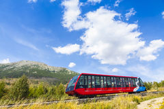 Kabelspoor in Hoge Tatras, Slowakije stock foto's