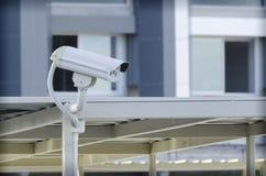 Kabeltelevisie-camera werd geïnstalleerd in de gang voor observatie in auto stock fotografie