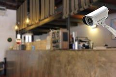 Kabeltelevisie-Cameraveiligheid in een tegenbar bij hotel Stock Foto