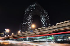 Kabeltelevisie Headquartes bij nacht, Peking, China Stock Afbeelding