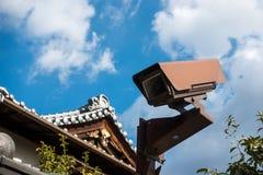 Kabeltelevisie op het dak van tempel Stock Fotografie