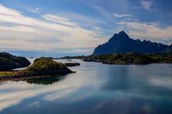 KabelvÃ¥g sur des îles de Lofoten photo stock