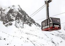 Kabelwagen aan de piek van Aguille du Midi, Mont Blanc Stock Afbeelding