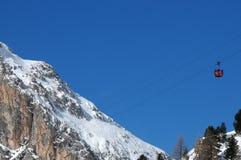 Kabelwagen aan Lagazuoi, Dolomiet, Veneto, Italië Stock Afbeeldingen