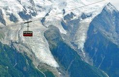 Kabelwagen in bergen Royalty-vrije Stock Afbeeldingen