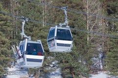 Kabelwagen bij skitoevlucht Arkhyz Royalty-vrije Stock Foto