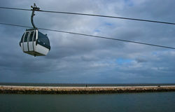 Kabelwagen boven Tejo Stock Fotografie