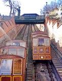 Kabelwagen op de Kasteelheuvel Boedapest stock foto's