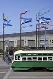 Kabelwagen op de Pijler royalty-vrije stock afbeeldingen