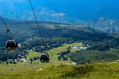 Kabelwagennetwerk van de bergen van Gran Sasso, de provincie van Teramo, Abruzzo gebied, Italië royalty-vrije stock afbeeldingen