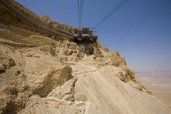 Kabelwagenpost die naar Masada gaat Royalty-vrije Stock Foto's