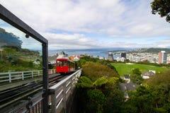Kabelwagenrubriek aan Wellington vanaf bovenkant van berg stock afbeelding