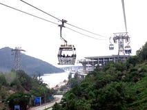 Kabelwagens en Toren in Tung Chung in Hong Kong City Royalty-vrije Stock Foto