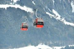 Kabelwagens in Oostelijke Alpes in Kitzbuhel Royalty-vrije Stock Afbeeldingen