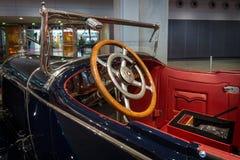 Kabin av en i naturlig storlek lyxig bil Mercedes 24/100/140 PS, 1925 Royaltyfri Fotografi