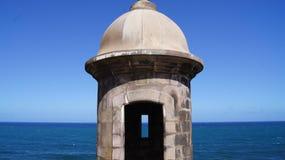 Kabin i gamla San Juan, Puerto Rico. Garita en Viej Arkivfoton
