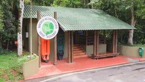 Kabina dla turystów wchodzić do Macuco Ecoaventura - Trilha robi Poco Obrazy Stock