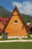 Kabine auf Campingplatz in der Sonne lizenzfreie stockfotografie