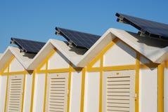 Kabine mit Sonnenkollektor Stockfotografie
