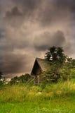Kabine mitten in szenischer Landschaft Stockfotos