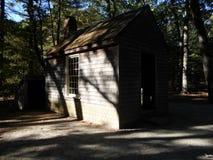 Kabine von Henry David Thoreau nahe Walden Pond, ?bereinstimmung, Massachusetts, USA stockfotos