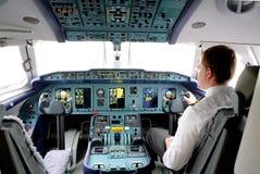 Kabinen av flygplanet An-148 Arkivfoton