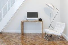 Kabinett inre för hem- arbete med den vita fåtöljen och belysning Front View Arkivfoton