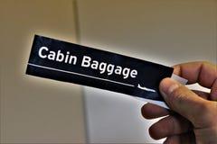 Kabinowego bagażu etykietka Pojęcie podróż zdjęcia stock