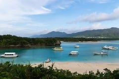 Kabira fjärd i den Ishigaki ön, Okinawa Japan Royaltyfri Fotografi